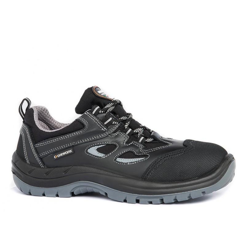"""Chaussures de sécurité basses en cuir coloris noir normé S3 SRC """"ALPI"""", vue de profil"""