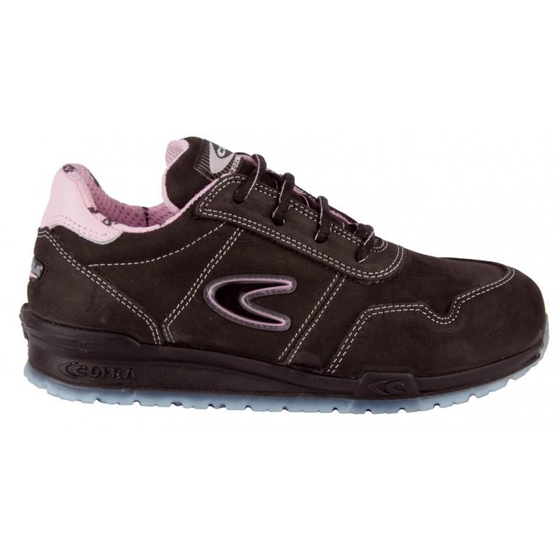 """Chaussure de sécurité pour femme en Cuir Nubuck normé S3 SRC """"ALICE"""" de marque cofra vu de profil"""